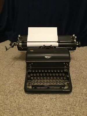 Royal Desktop Typewriter Antique Vintage