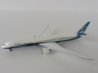 BOEING 787-10 ROLL-OUT-LIVERY 1/500 Herpa 530781 787 Dreamliner House Colours