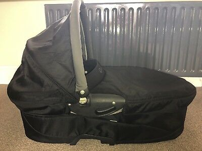 Quinny Carrycot - Buzz Xtra