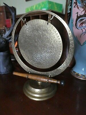 Lovely Vintage Etched Brass Table Top Dinner Gong With Striker.
