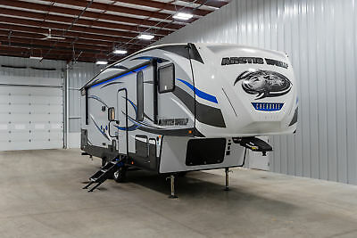 2019 Forest River Artic Wolf Cherokee 265 Dbh Fifth Wheel Rear Bunk House