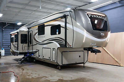 2018 Jayco Pinnacle 37Rlws Fifth Wheel