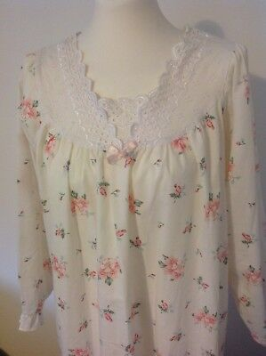 Vintage Shapley Lady Long Sleeved Floral Night Gown Nightie Size 16-18 70s 80s