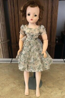 "Vintage 1950's Madame Alexander 20"" Cissy Doll - Needs Some TLC"