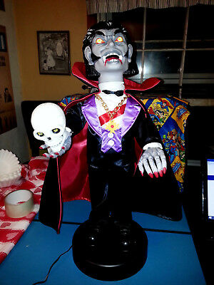 halloween witch time animated figure , dracula 1989