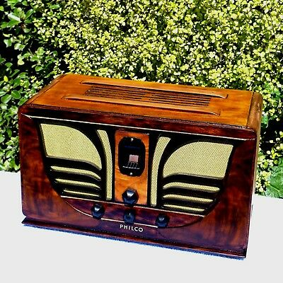 "PHILCO  45  compact {45C} ""THE BUTTERFLY"" - THE FINEST  COMPACT EVER BUILT."