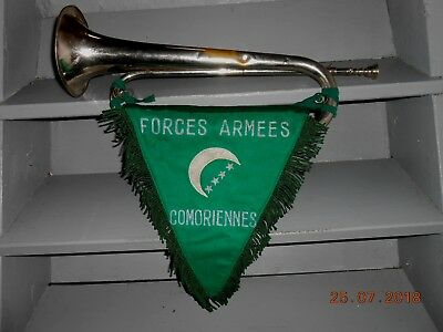 Ancien Clairon Robert Martin MACON + fanion FORCES ARMEES COMORIENNES