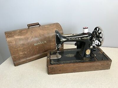 Vintage 1952 SINGER Sewing Machine 99K Model Hand-Crank with Carry Case Y6277847
