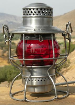 UNION PACIFIC RAILROAD LANTERN – Red Etched CNX Lantern Globe