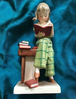 *VERY RARE* *MYSTERY* Vintage W. Goebel Hummel FF 207 Girl Reading  6 Inches