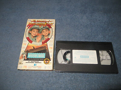 Adventures of Mary-Kate & Ashley Case of the Mystery Cruise pre-owned VHS tape