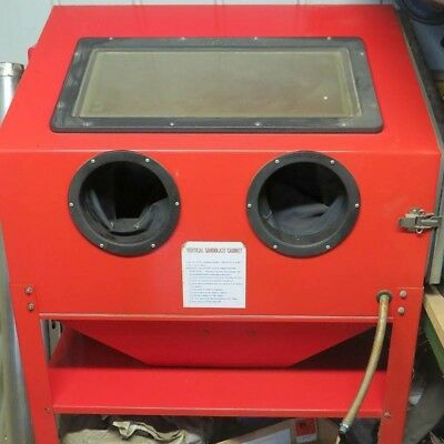 Industrial Cabinet Sand Blaster with Material
