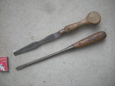 2 x Vintage SCREWDRIVER, Screw Drivers, Wooden Handle - E. HENRY & Co & Other