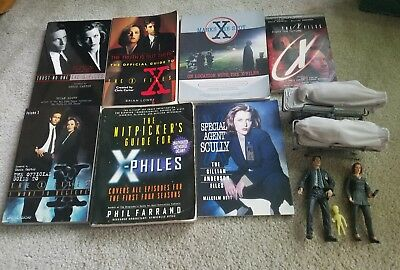 X Files Lot Mcfarlane Toys And Books Official Guide Etc..