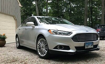 2013 Ford Fusion SE 2013 FORD FUSION SE - silver, leather interior, GARAGE PARKED