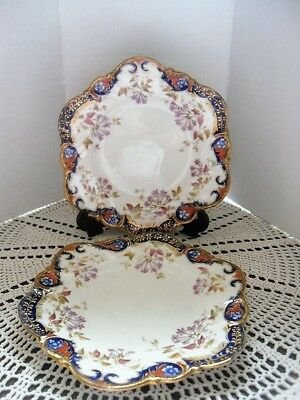 Pair of vintage decorative plates. Old and very pretty.