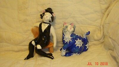 Amy Lacombe caberet and snowflake cat statues of porcelian mint condition