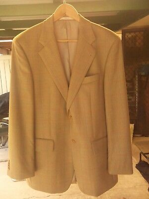 Feraud Men's Vintage Wool Jacket in a Fine Tan Herringbone Size 48 Eur