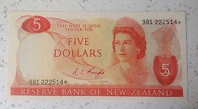 New Zealand Replacement star $5 Knight Banknote - 991 222514* grade Au.