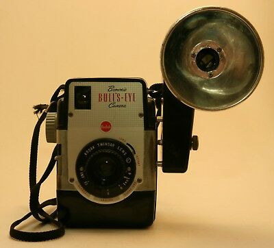 Kodak Brownie Bulls-Eye 620 Camera with Flash