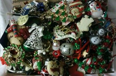 Lot 5 lbs Vintage to Now Wear Repair Christmas Holiday Jewelry Brooches Earrings