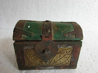 Vintage Old Wooden Handcrafted Iron / Brass Fitted Jewellery Box, collectible
