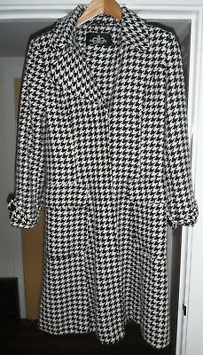 "Ladies vintage ""David Barry"" dog tooth black & white long tailored coat, Size 10"