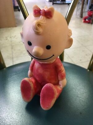 "VINYL Sally DOLL PEANUTS GANG BY UNITED FEATURE SYNDICATE-7"" X 4"" Hungerford ?"
