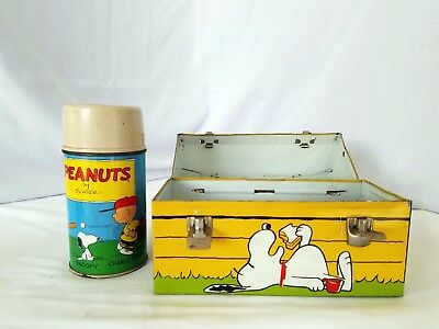 Vintage Metal Snoopy Lunch box w/thermos  1968