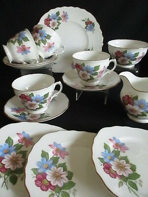 Vintage Royal Vale china Clematis Tea set for 4 Plates, cups & saucers