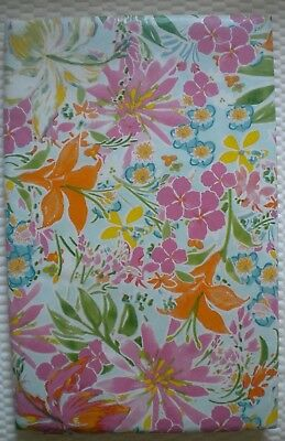 """Summer Fun Vinyl Tablecloth PINEAPPLE Theme 52/"""" Square 60/"""" Round /& Oblong"""