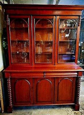 Late Victorian/ early C20 3 door, mahogany bookcase in very good condition