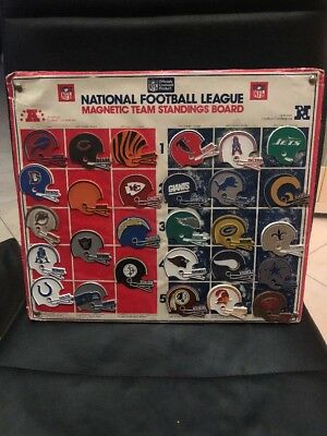 Vintage NFL Magnetic FOOTBALL League Team Standing Board W/ 28 Team Logo Magnets