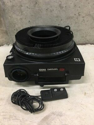 VINTAGE KODAK CAROUSEL 650H 35MM SLIDE PROJECTOR With Wired Remote