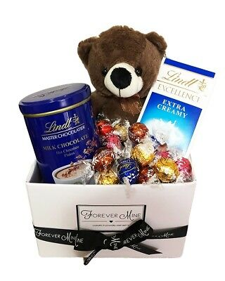 BRAND NEW Lindt Bear Hamper Edible Gift Hamper Chocolate Teddy Bear