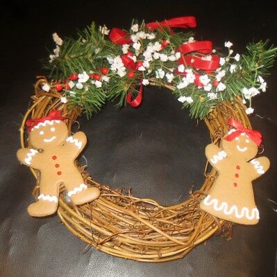Christmas Around The Wiorld Gingerbread People Wreath RARE