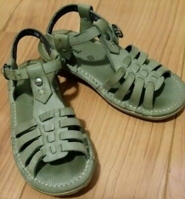KICKERS Girls Avocado color leather sandals Sz 32 Very Nice Hardly worn!