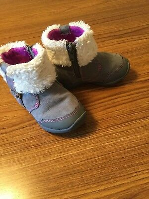 BABY GIRL BOOTS  sz 5.  GRAY/PURPLE       ADORABLE.  HURRY