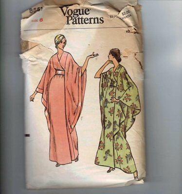 1970s Vintage Sewing Pattern Butterick 8551 Kimono Robe Wide Sleeves Size 8