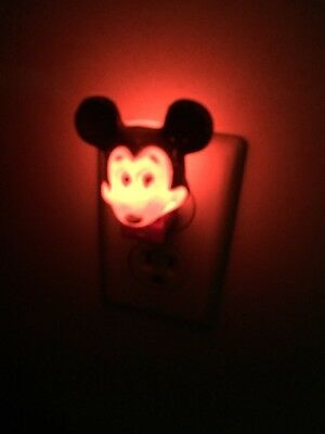 Vintage Disney Mickey Mouse Disney Electric Night Light Plug In Works!