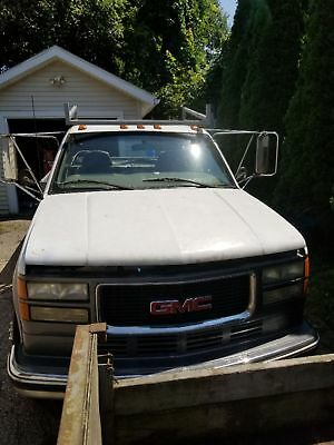 2000 GMC Other  2000 gmc truck starts and runs great. Has 66k miles on motor 200k on body.