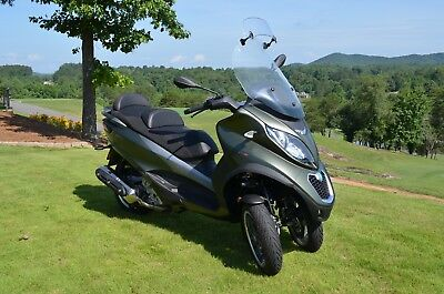 Piaggio Mp3 500 Sport 3 Wheel 2018 Motorcycle Scooter Abs Green 585 Miles Mint!