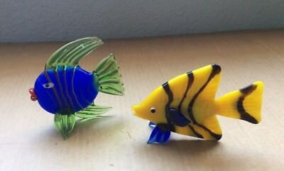 Vintage Lot of 2 Small Miniature Blown Art Glass Tropical Fish Figurines