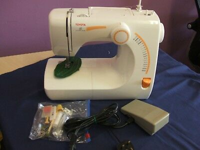 Toyota RS 2000 Sewing Machine Working