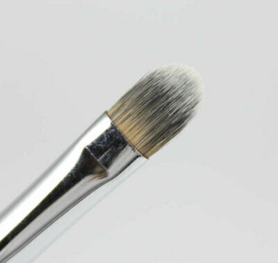 Concealer Brush, Cover up and blend with ease