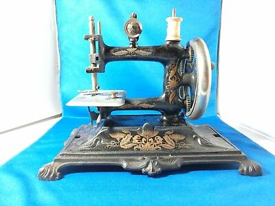 MULLER ANTIQUE SEWING MACHINE Cast Iron Child Toy Crank German Travel Size #12