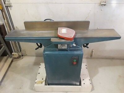 Reliant 6 inch cast iron jointer with mobile base