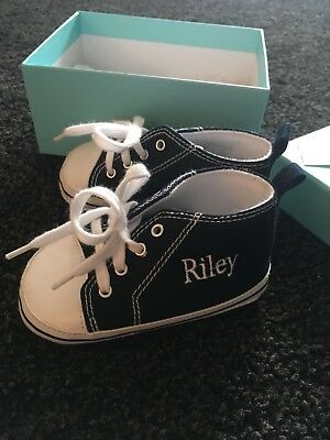 Personalised Baby Booties with the name Riley Giftset