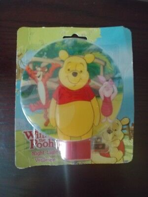 New Disney's Winnie the Pooh Round Children's Night Light, Cute, incl. bulb