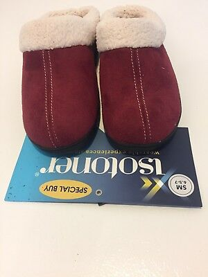 Isotoner women's Winter slippers faux suede/faux fur size 5-6 Color Red.